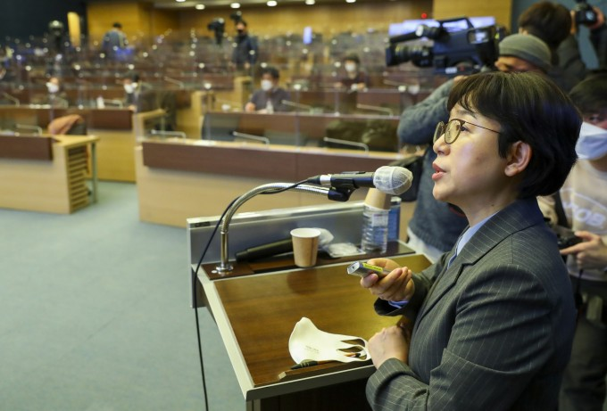 기모란 국립암센터 국제암대학원대학교 교수는 9일 오후 서울 중구 대한상공회의소에서 열린 '사회적 거리두기 체계 개편을 위한 2차 토론회'에서 주제 발표를 하고 있다.