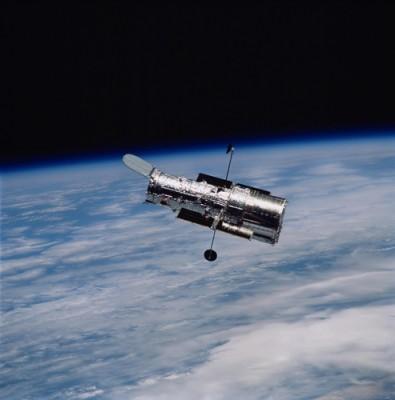 서른 살 된 허블망원경 너무 힘들었나…