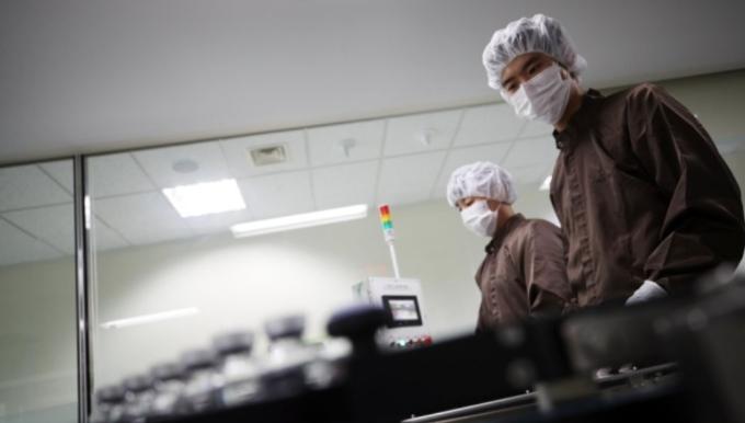 신종 코로나바이러스 감염증(코로나19) 항체치료제 렉키로나주를 생산하는 인천 셀트리온의 제2공장에서 공개된 완제 공정 모습. 연합뉴스 제공