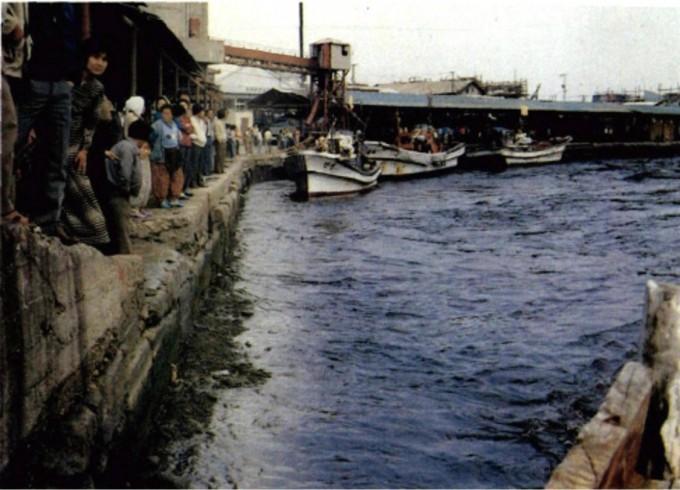 1983년 일본 서해안에서 발생한 지진에 의해 일어난 지진해일은 삼척항을 덮쳐 인명과 재산피해를 냈다. 기상청 제공