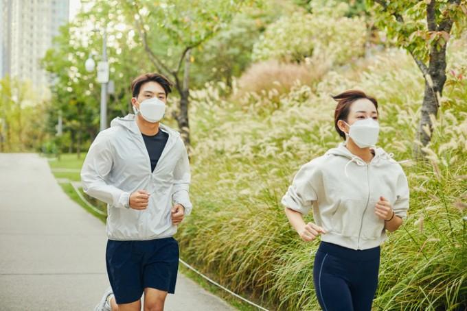 20~30대 청년층이 미세먼지에 노출된 채로 30분 이상 달리기와 같은 고강도 운동을 하면 오히려 심혈관질환 위험을 높이는 것으로 나타났다. 게티이미지뱅크 제공