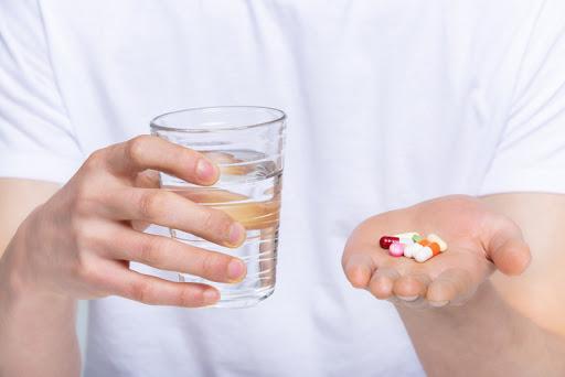 [만연하는 가짜 의학정보]백신 맞기 전 알레르기약 복용하면 덜 아플까