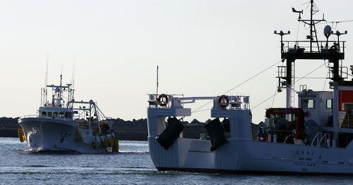 (2021.3.4) 4일 오전 일본 후쿠시마현 이와키시 소재 오나하마항으로 후쿠시마 앞바다에서 고기잡이를 마친 어선이 입항하고 있다.