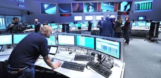 [우주산업 리포트]지구 저궤도 확보를 위한 암투가 시작됐다