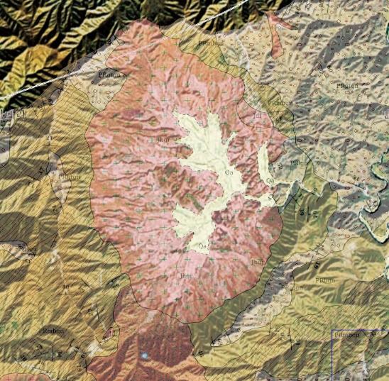 해안분지의 지질도. 해안분지 내부는 풍화가 잘 일어나는 화강암으로 이루어졌지만, 분지를 둘러싼 주변 산은 변성암이다. 변성암은 양쪽에서 힘을 받아 만들어지면서, 암석 속에 '엽리'라는 선 모양의 구조가 생긴다. 한국지질자원연구원