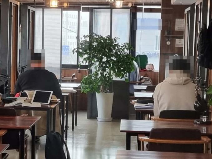 새 방역수칙이 적용된 지난달 29일 노량진 한 스터디카페. 연합뉴스 제공