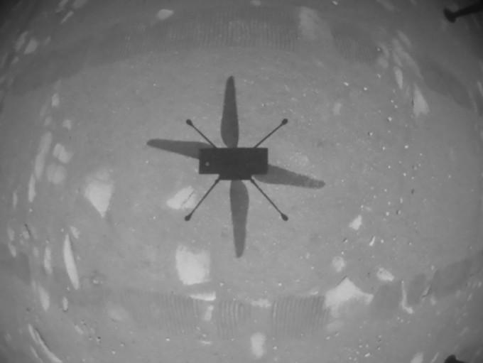 인저뉴이티가 비행 중 지구로 보내온 첫 사진이다. 인저뉴이티의 바닥에 달린 내비게이션 카메라로 촬영됐다. NASA 제공