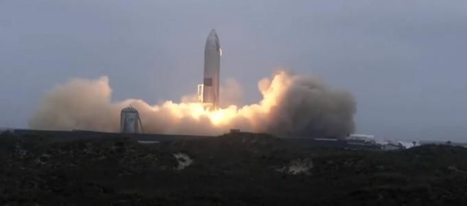 착륙에 성공한 차세대 재사용 우주선 '스타십'. 스페이스X 제공
