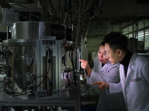 반도체 공정에 쓰이는 플라스마 양 실시간 측정 센서 개발