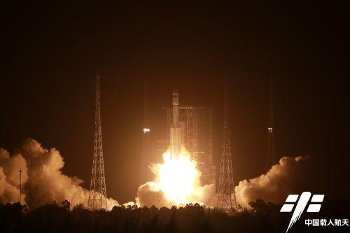 中 '톈저우 2호' 6시간 만에 우주정거장 도킹 성공…우주정거장 구축에 속도