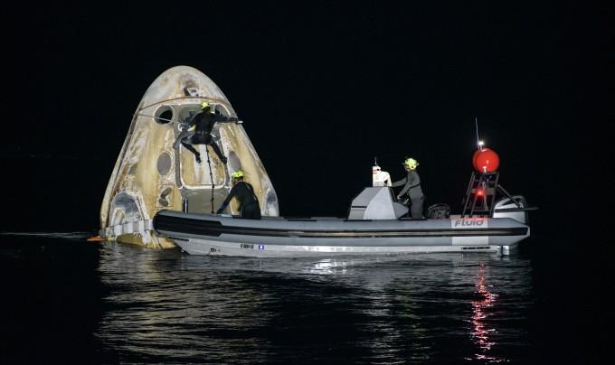 스페이스X 유인우주선 4명 싣고 53년만에 야간 착수 성공…NASA 유인비행 최장기록