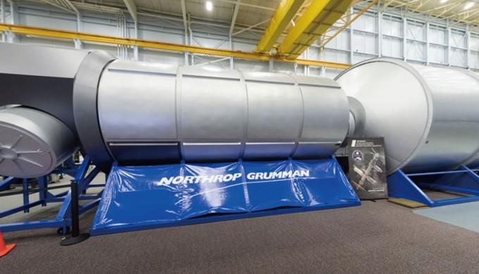 미국 안보기업 ′노스롭 그루만′이 개발한 거주모듈 모의실험 장면이다. 이 시제품은 생명유지장치, 화장실, 창문, 조리실, 취침실 등을 갖추고 있다. NASSA 제공