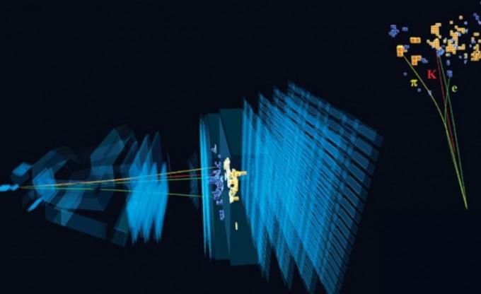 B중간자(B0)가 왼편에서 오른쪽으로 날아가며 붕괴할 때 방출되는 입자가 여러 층으로 이뤄진 검출기(LHCb)에 검출되는 모습이다. B중간자가 붕괴되면 전자 또는 뮤온이 같은 확률로 방출된다고 알려져 있었는데 최근 이를 뒤집는 실험결과가 나왔다. CERN 제공
