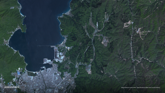GRUS-1D로 촬영한 일본의 유명 관광지 '쓰루가만'. 악셀스페이스 제공