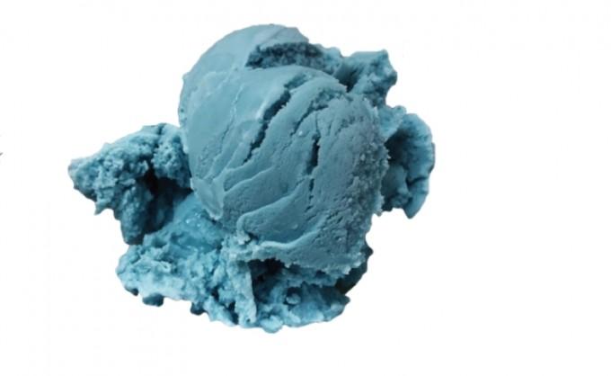 적양배추에서 추출한 안토시아닌으로 염색한 아이스크림. Rebecca Robbins 제공