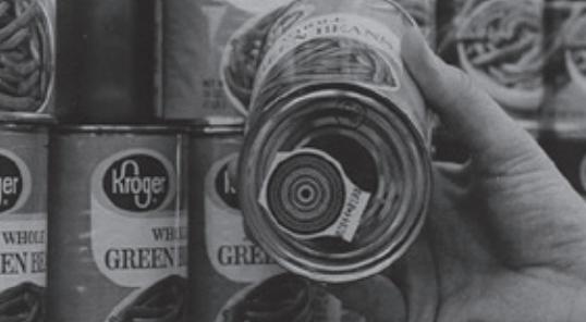 통조림 바닥에 붙어있는 원형 바코드. 초기 바코드는 선형과 원형 두 가지로 개발되었고, 한때 원형 바코드가 쓰이기도 했다. 아이다호주박물관