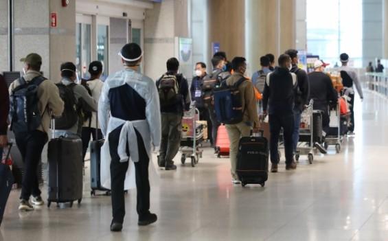해외서 백신 접종한 유학생·재외국민, 내달 1일부터 입국시 격리면제