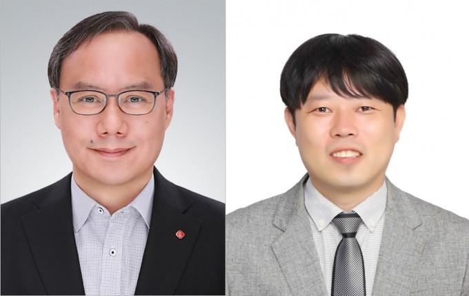 권오성 롯데케미칼 팀장(왼쪽)과 나창식 포스콤 책임연구원. 과기정통부 제공.