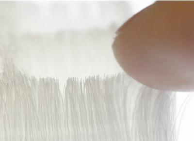 메사추세츠공대(MIT) 미디어랩 연구팀이 2016년 3D 프린팅 기술로 모피의 질감을 구현했다. 촘촘히 인쇄된 털이 부드러운 촉감을 만든다. M IT미디어랩 제공