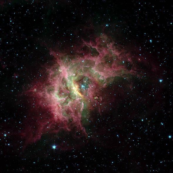 지구로부터 2만 광년 떨어진 성단 ′웨스터룬드 2′에서 별이 생겨나는 가스 거품을 촬영한 영상이다. 미국항공우주국 제공