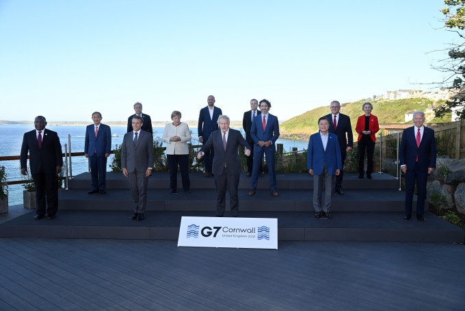 영국 콘월 카비스 베이에서 열린 주요 7개국(G7) 정상회의에 참여한 각국 정상들의 모습. G7 정상회의 제공