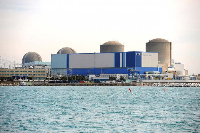 부산 기장군 고리 원자력발전소 전경. 왼쪽에서 세 번째가 3호기다. 위키피디어 제공