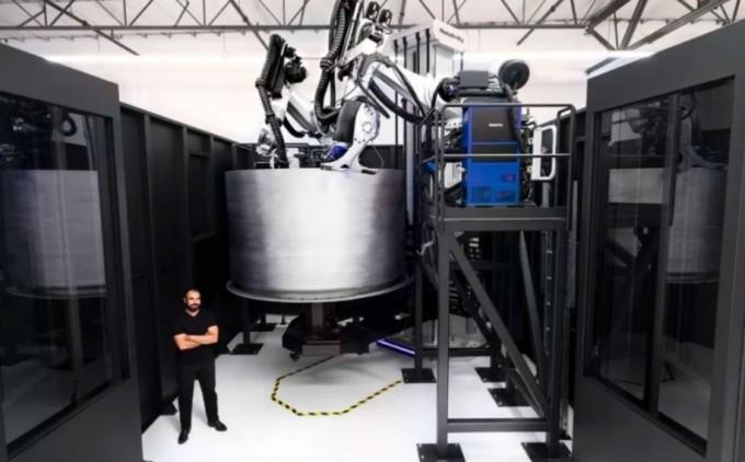 렐러티비티 스페이스의 대형 3D프린터