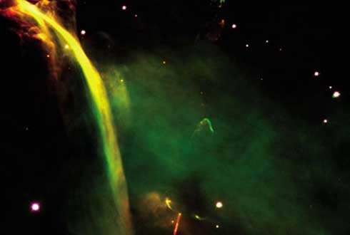 밤하늘에 쏟아지는 우주폭포