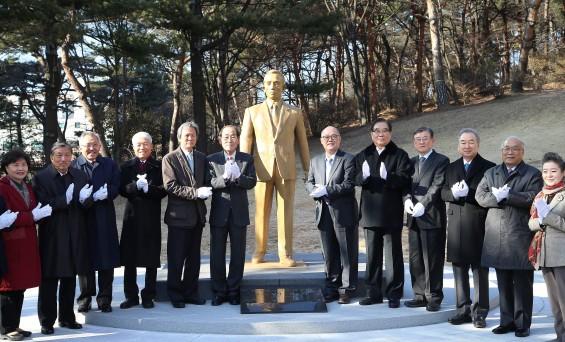 KIST에 박정희 前 대통령 동상 건립 완료