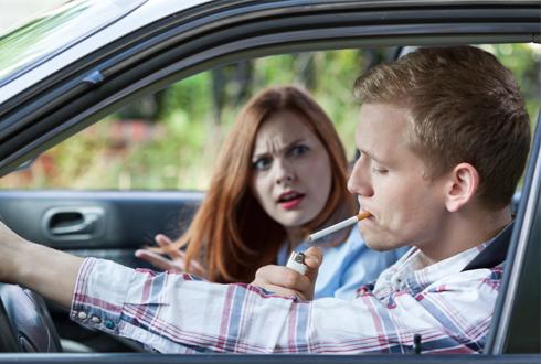 나들이 가기 전, 차 안의 찌든 냄새 점검하세요!