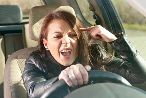 운전 중 분노 폭발, 사실 여성이 더 많이 한다?