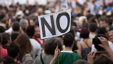 [지뇽뇽의 사회심리학 블로그] #촛불시위 승리 원동력은? '분노' vs '자부심'?