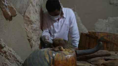 이집트 룩소르서 3000년 전 고대 유물 발견…8구 미라·1000개 조각상 출토