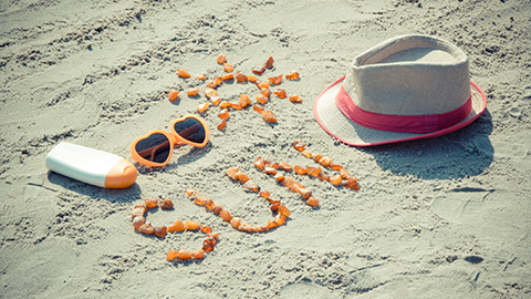 뜨거운 여름, 자외선 차단제를 발라야 하는 이유