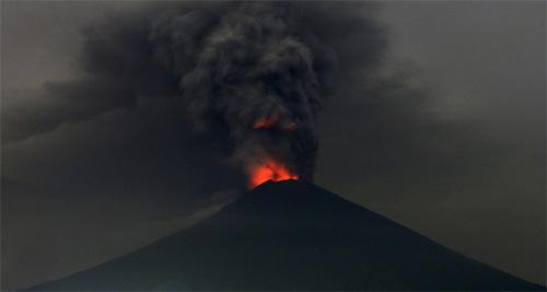 발리 아궁 화산 대폭발 임박 ,역대 최대 규모 분출 또 일어날까