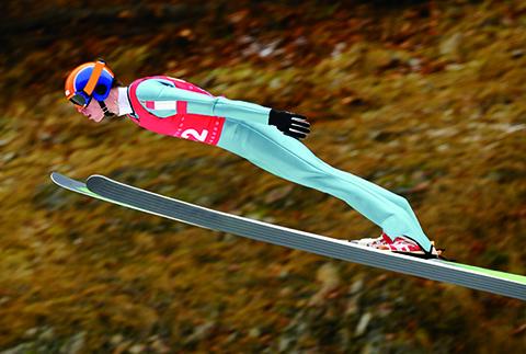 스키점프, 멀리 뛰는 비법은 엉덩이 각도?