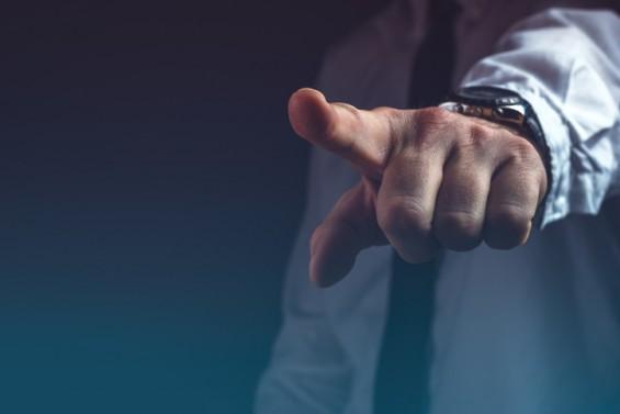 '물벼락 갑질' 직장폭력 겪는 사람일수록 불면증 시달린다