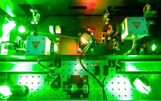 안 보이는 분자 구조, 레이저 두 번이면 훤히 본다