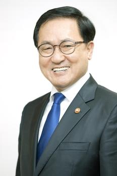 """유영민 과기정통부 장관 """"후임 장관 임명까지 일하겠다"""""""