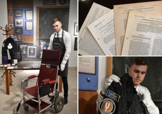 스티븐 호킹 서거 1주년, 먼지가 된 호킹과의 대화