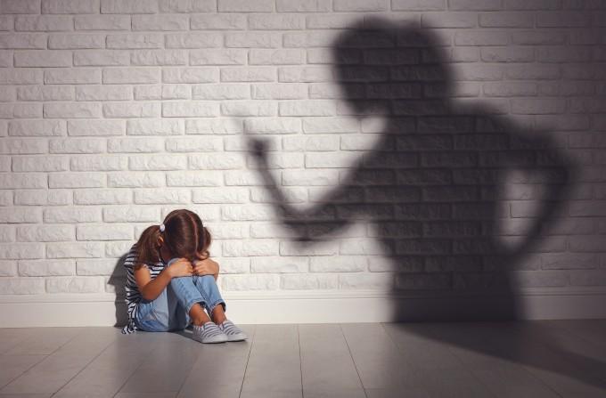 학대 겪은 아이, 성인 돼서도 폭력에 희생된다