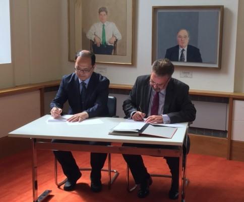 韓英, 우주탐사용 원자력전지 공동 개발한다