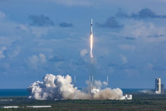 한국군 통신위성 51일전 美 유인우주선 실어나른 재활용 로켓에 실려 우주로