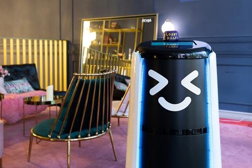배달로봇이 호텔 룸서비스 한다…내년엔 아파트도 투입