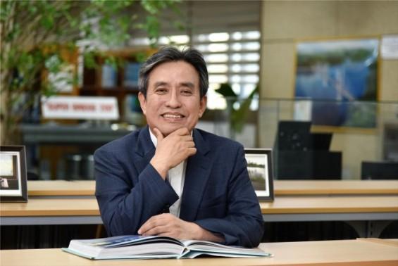 '슈퍼컴 아닙니다. 슈퍼콘입니다' 수명 200년 콘크리트 만든 김병석 연구원 이달의 과학기술인