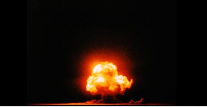 맨해튼 프로젝트(Manhattan Project)는 제2차 세계 대전 중에 미국이 주도하고 영국과 캐나다가 공동으로 참여했던 핵폭탄 개발 프로그램이다. 위키미디어 제공