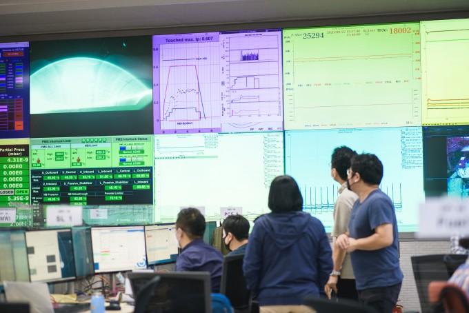 한국형 인공태양 1억도서 20초간 플라스마 발생…세계 최초 세계 최장 기록