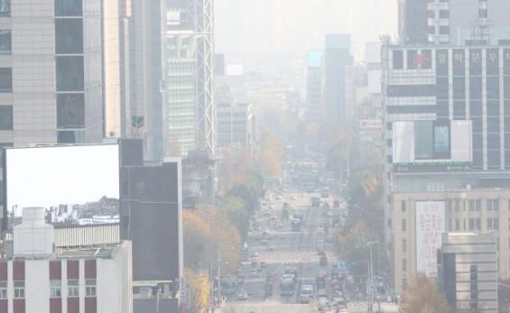 한반도 덮친 중국발 초미세먼지 17일까지 이어진다