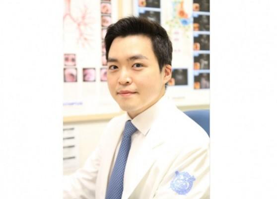 [의학게시판] 김연욱 교수, 세계폐암학회 젊은 연구자상 수상 外