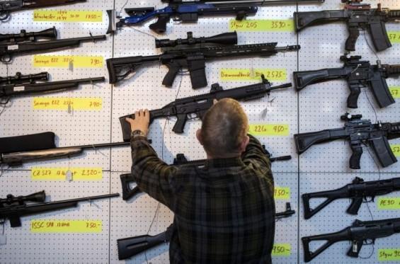 총격 사고 美 콜로라도주, 고교생 5명중 1명 총 쉽게 구한다